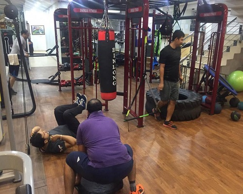 Best gym in delhi to workout with various facilities