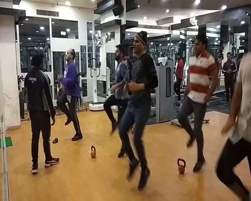Enjoy group activity session with fun at Energie Gym and Spa